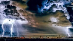ilustrasi-cuaca-ekstrem
